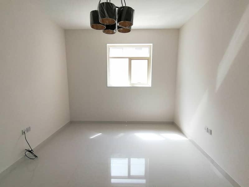 شقة في تجارية مويلح 1 غرف 23000 درهم - 4765498