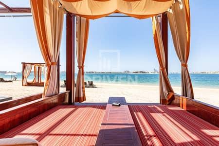 فیلا 5 غرف نوم للبيع في نخلة جميرا، دبي - Elegant 5 Bed Villa in a Prime Location