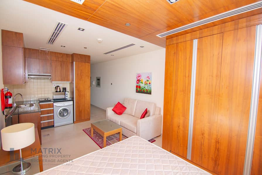 Immaculate Fully Furnished | Cozy | Great Deal!