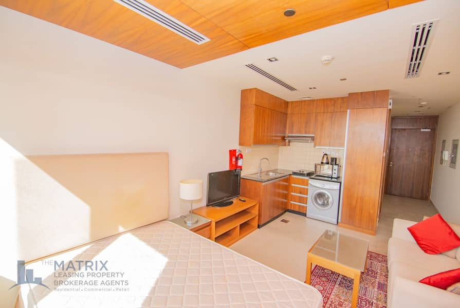 2 Immaculate Fully Furnished | Cozy | Great Deal!