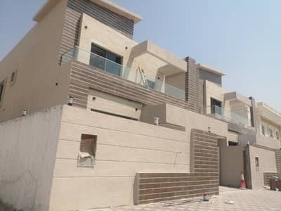 A two-storey villa, 5 master rooms, a hall, and a European design council at an attractive price