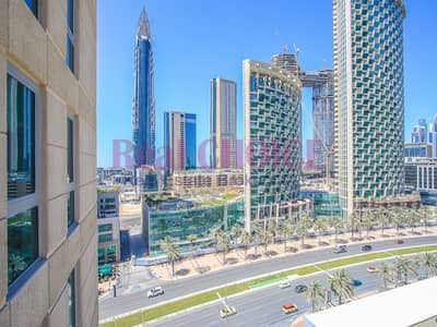 2 Bedroom Flat for Sale in Downtown Dubai, Dubai - Well-kept Mid Floor 2BR | Downtown Views | Vacant
