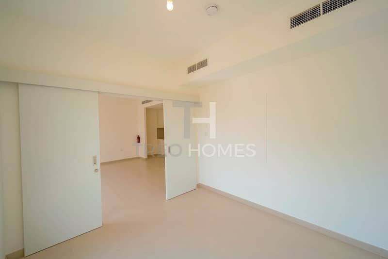 2 EXCLUSIVE Managed new 4br end unit Noor.