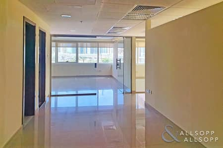 Office for Sale in Jumeirah Lake Towers (JLT), Dubai - Fully Fitted | Partitioned | Close to Metro