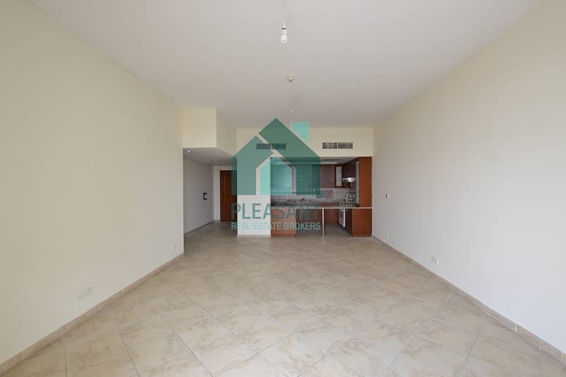 2 Mall View Specious Vacant 3BR Apt For Rent In Foxhill.