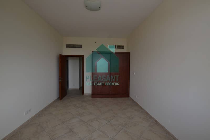 10 Mall View Specious Vacant 3BR Apt For Rent In Foxhill.