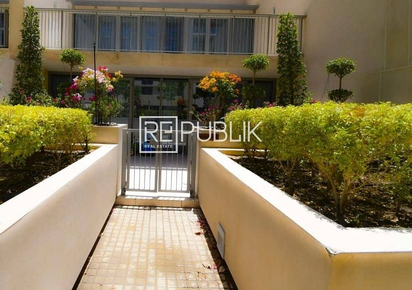 2 Stunning Deal for 3 Bedroom Townhouse with Balcony