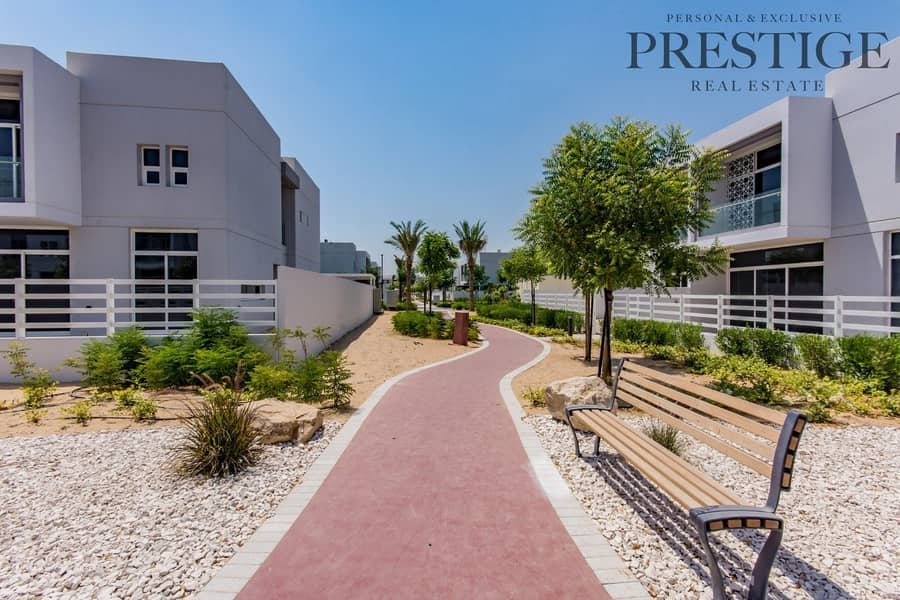 2 Brand new   4 Beds    on pool and park