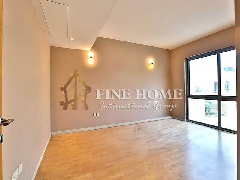 15 Invest in this Modernly Designed 3BR Townhouse