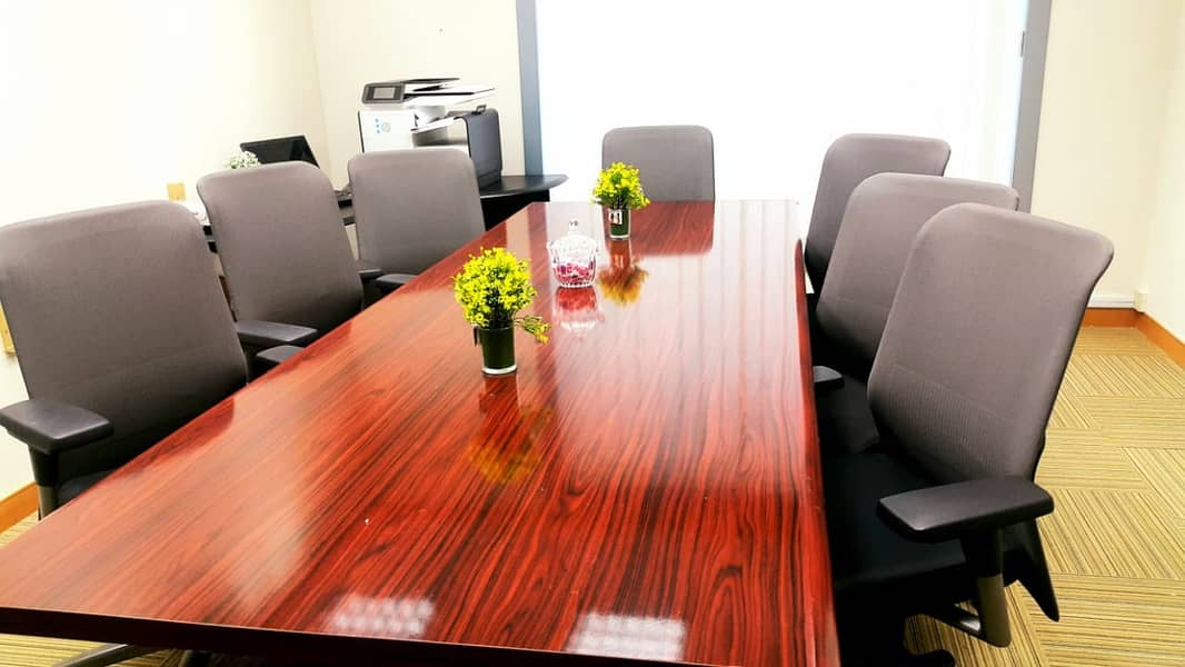 Luxurious Office with all inclusive !