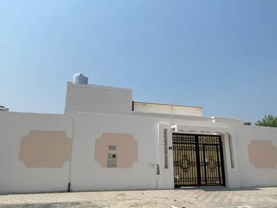 5 Bedroom Villa for Rent in Al Ghafia, Sharjah - Clean two storey villa in Al Ghafia