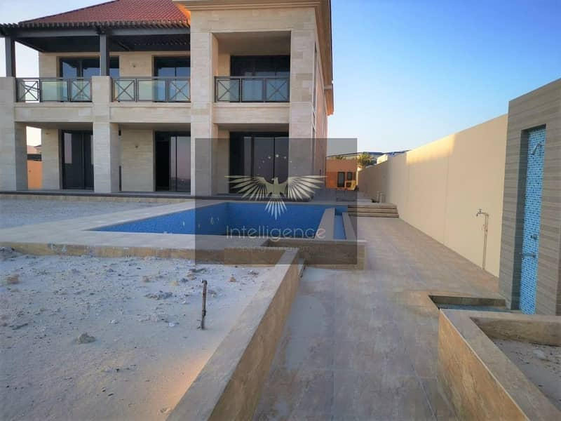 2 Beachfront Luxurious Villa with Style and Class!