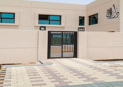 4 Bedroom Townhouse for Sale in Al Rahmaniya, Sharjah - Own a townhouse in the sustainable Sharjah now and took advantage of the offers