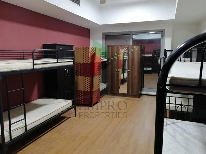 2 Furnished bed space available for bachelors - Close to Metro