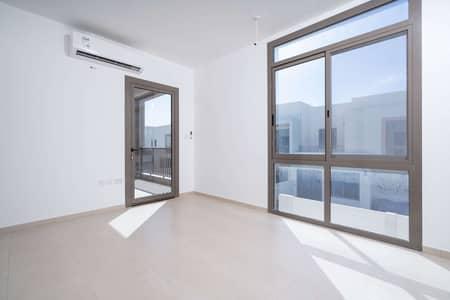 فیلا 4 غرف نوم للايجار في تاون سكوير، دبي - Spacious 4bed and Maid