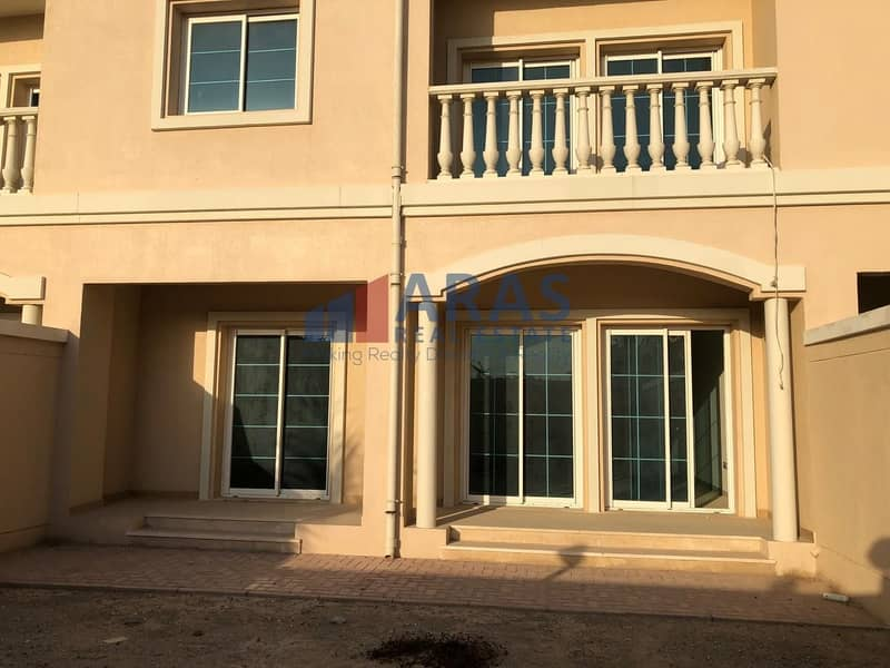 15 Investment Deal 2bed+Maids Huge Villa Tenanted