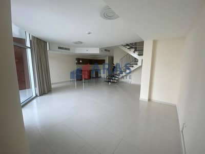 شقة 2 غرفة نوم للبيع في قرية جميرا الدائرية، دبي - 2Bed Unfurnished Duplex in JVC
