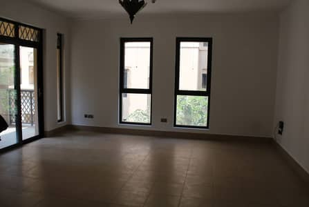 1 Bedroom Apartment for Rent in Old Town, Dubai - Unfurnished / 1 BR apartment / Arab-inspired architecture