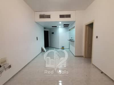 1 Bedroom Apartment for Rent in Tourist Club Area (TCA), Abu Dhabi - Well Maintained 1BHK in Tourist Club Area