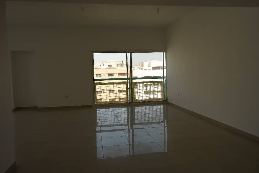 Spacious Big size 3bhk with maids room 78k