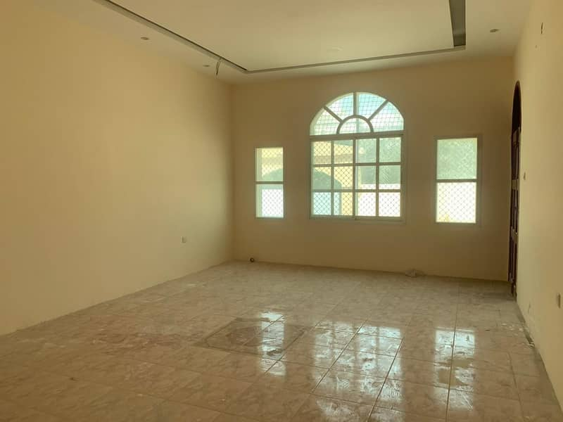 An Arab house for rent in Ajman, a very special location