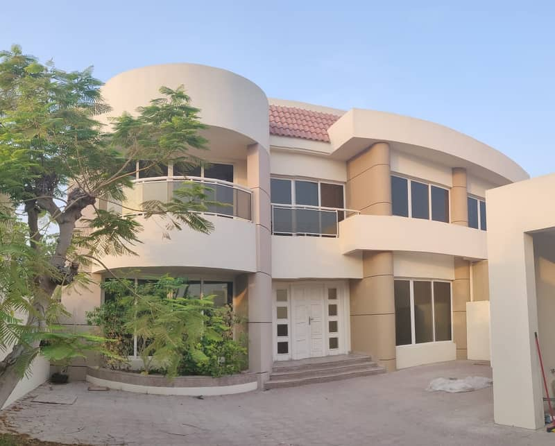 Attractive  Semi-Independent 4 B/R Villa   Modern Design   Huge Living & Dining Area    Maid Room   Swimming Pool