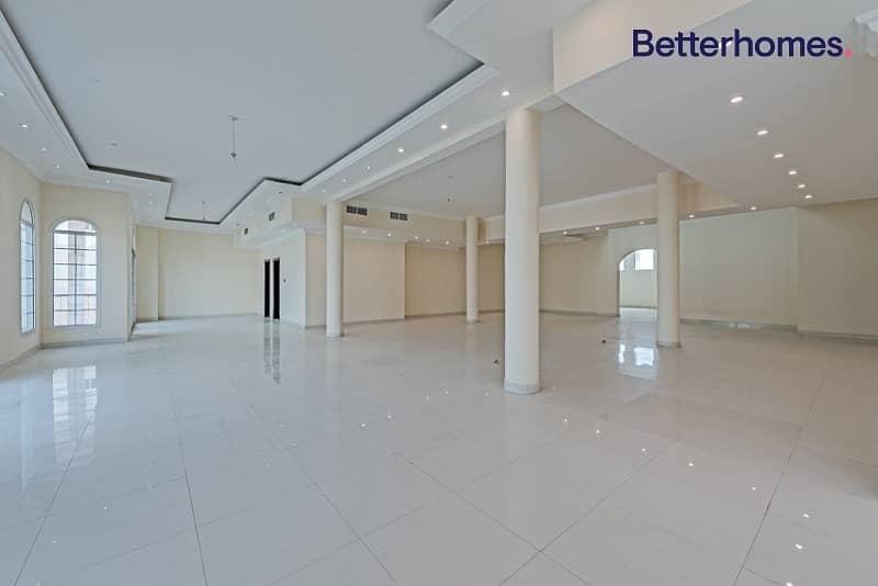 2 Large Plot 20000 sq ft /Vacant Villa/GCC only