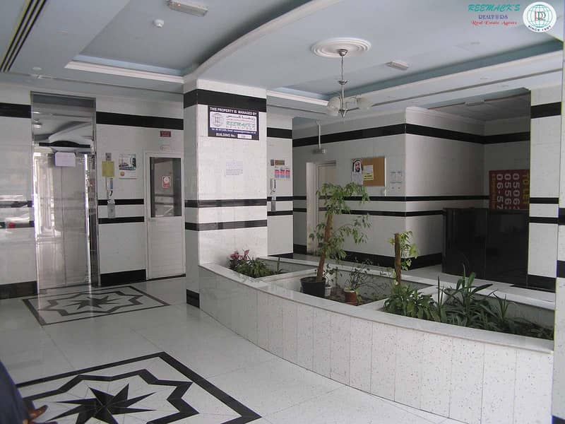 1 B/R HALL FLAT WITH SPLIT DUCTED A/C IN MAHATAH AREA
