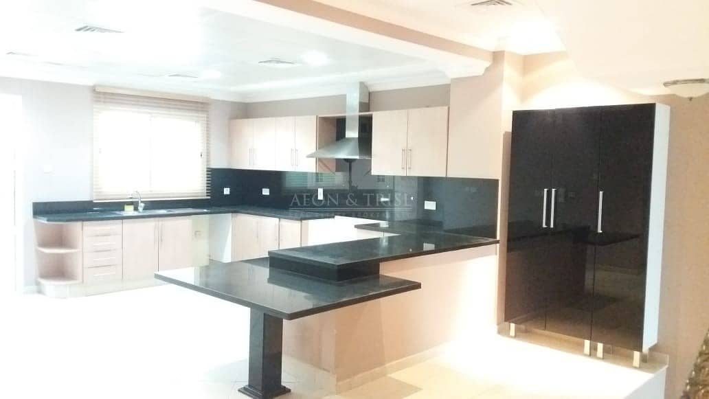 2 Huge 4 Bed | Exquisite unit | With Courtyard | Barsha 1