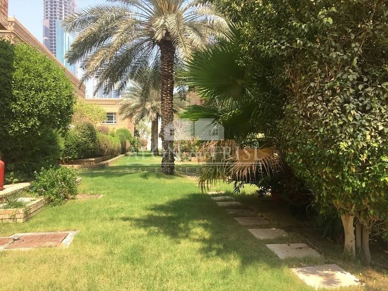 21 Huge 4 Bed | Exquisite unit | With Courtyard | Barsha 1