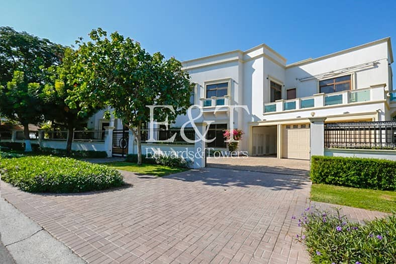 2 EXCLUSIVE | Immaculate |High Specification|On Lake
