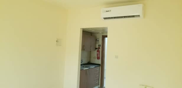 Hot offers. . . rent 9200 in 5chqs 400sqft in muwaileh call 055_2260846