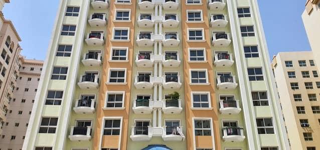 شقة 1 غرفة نوم للايجار في المدينة العالمية، دبي - غرفة نوم رائعة رائعة في CBD متاحة للإيجار @ 28000/4