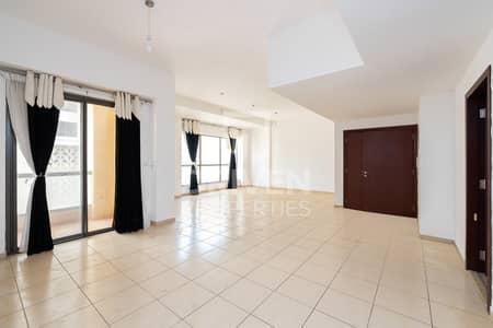 شقة 3 غرف نوم للايجار في جميرا بيتش ريزيدنس، دبي - Spacious 3 Bedroom Unit with Marina View