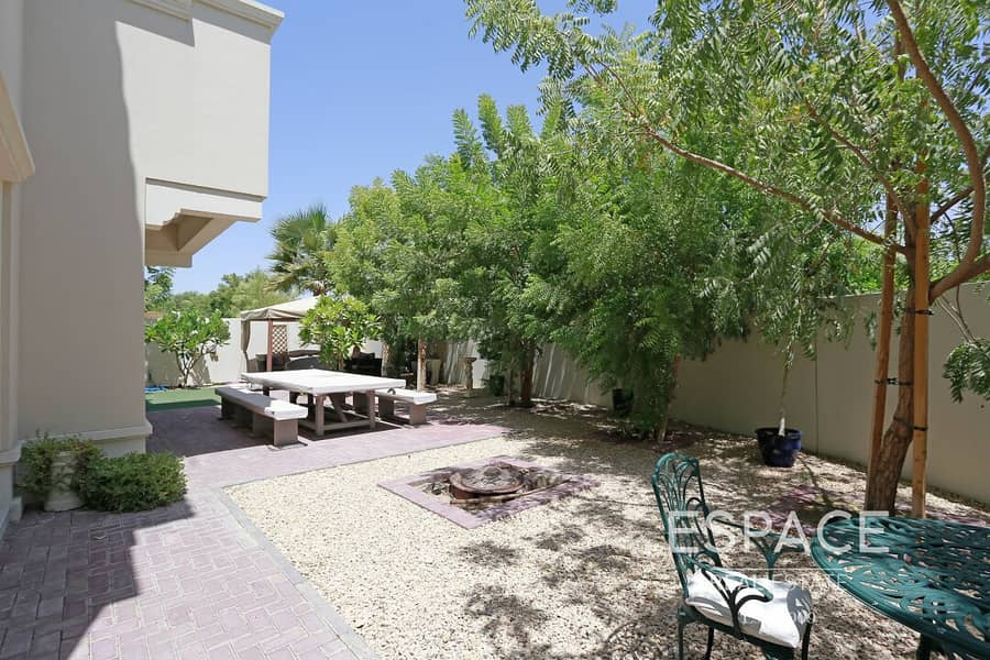 2 Single Row - Great Location - Landscaped