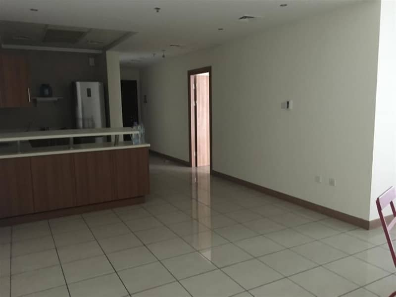 Spacious 1BR with 2 Balcony | Middle Floor |Vacant