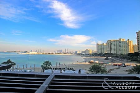 Studio for Rent in Palm Jumeirah, Dubai - Burj and Sea View | Large Balcony | Studio