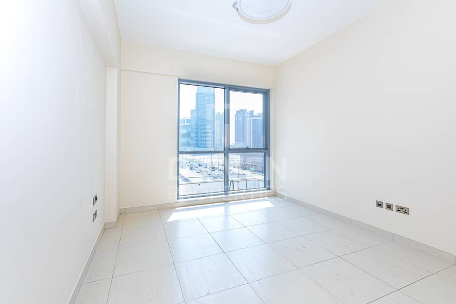 12 Brand New 1 Bed Apt with 15 Days Free Rent