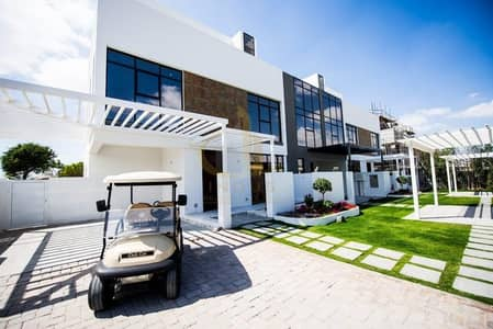 3 Bedroom Villa for Sale in Jumeirah Golf Estate, Dubai - The Luxury 3BR+M Villa | Private Garden and Pool | Golf Course and LakeView