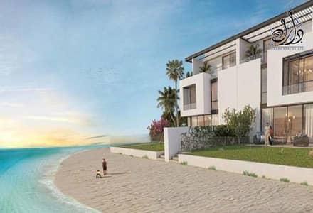 فیلا 4 غرف نوم للبيع في مدينة الشارقة للواجهات المائية، الشارقة - Owns a villa on the sea in the city of Sharjah waterfronts