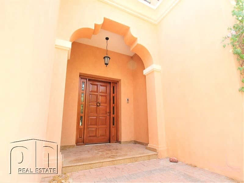 2 5 Bed | Immaculate | Single Row | Vacant