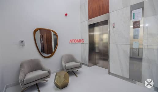 استوديو  للبيع في الورسان، دبي - Luxury closed kitchen vacant large studio for sale in Warsan4 call for booking