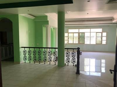 5 Bedroom Villa for Rent in Asharej, Al Ain - HOT DEAL! Spacious duplex villa in Asharej