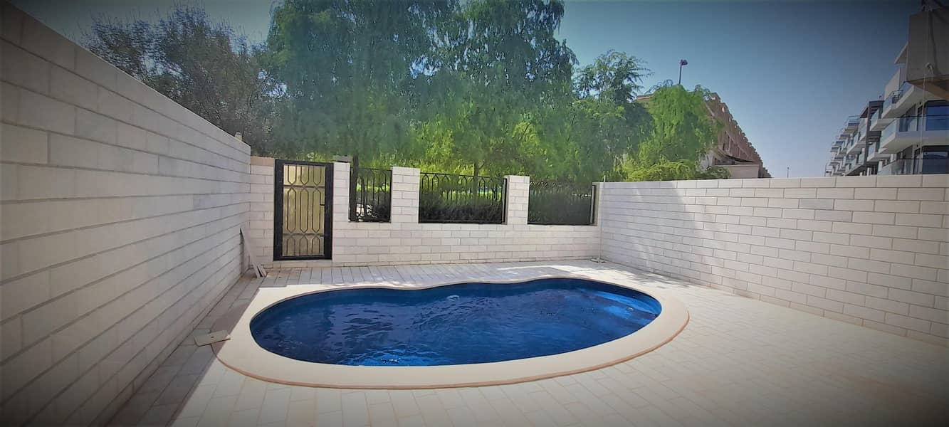 NG | Enticing Luxury Villa with Pool | Park View
