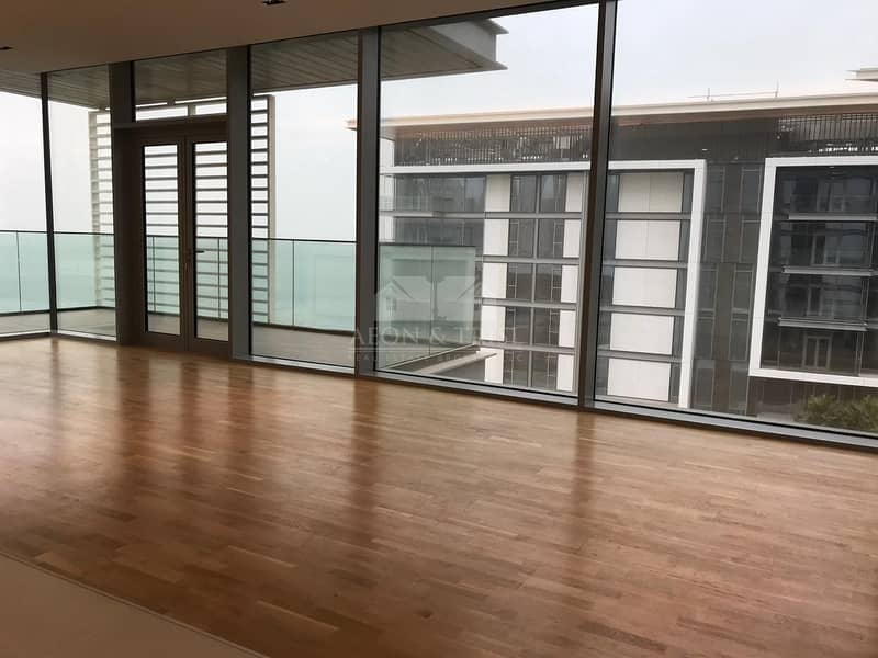 1 Stunning 3 BR Apartment I Sea View I Great Location