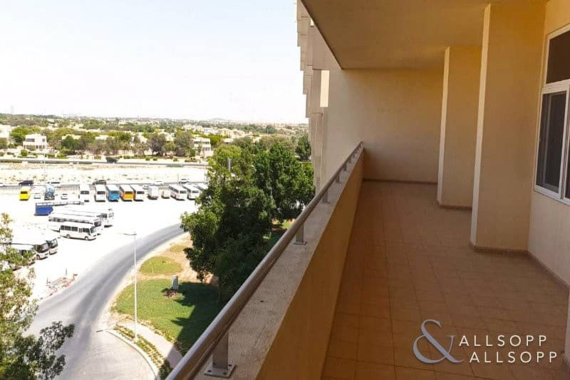 3 Beds | Large Balcony | Free Maintence<BR/>