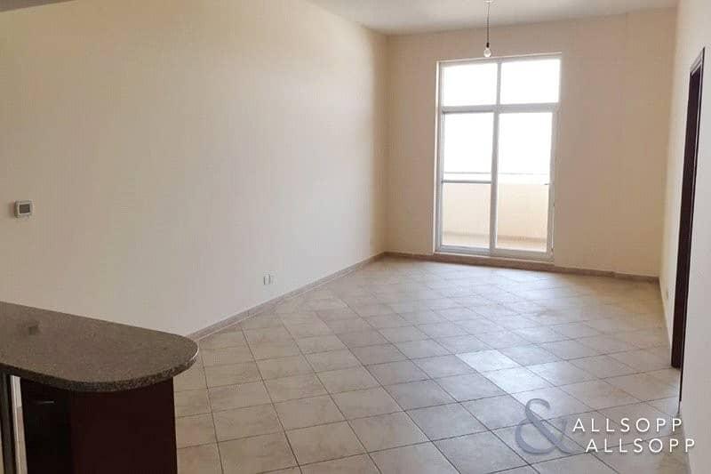 2 2 Beds | Large Unit/Balcony | Unfurnished