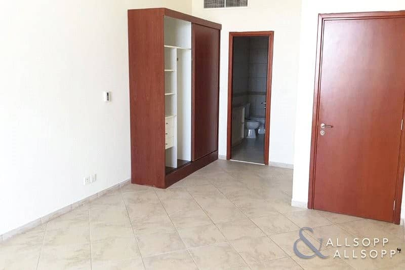2 3 Beds | Large Balcony | Free Maintence<BR/>