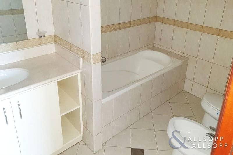 10 2 Beds | Large Unit/Balcony | Unfurnished