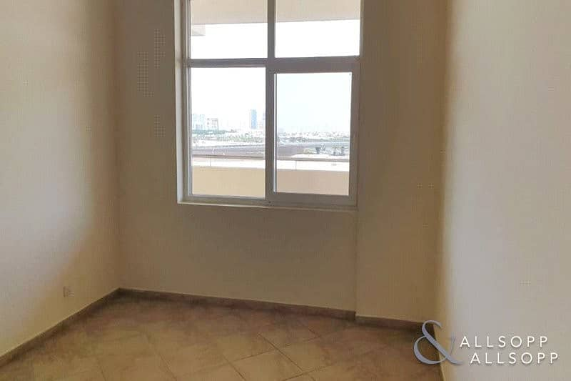 10 3 Beds | Large Balcony | Free Maintence<BR/>